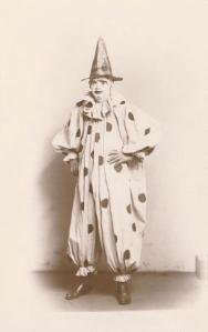 wikipedia: circus clown 1907